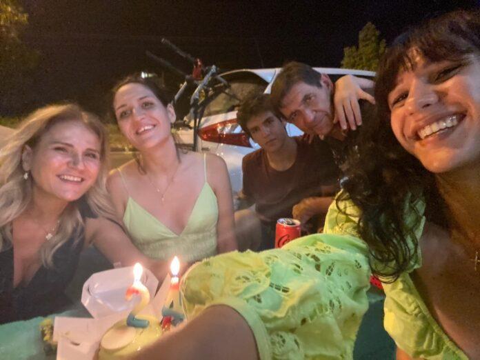 Γενέθλια στο Ναύπλιο για τις δίδυμες κόρες του Σκιαδαρέση